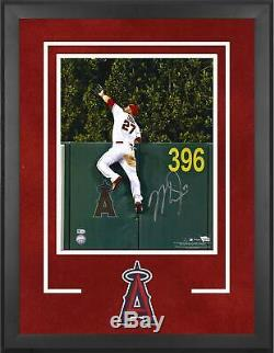 Mike Trout Los Angeles Angels Dlx Frmd Signed 16 x 20 HR Robbing Catch Photo