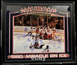 USA 1980 Miracle on Ice Team Autographed 16x20 photo Deluxe Framed JSA COA