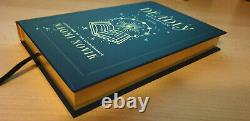 A Deadly Education Naomi Novik Signed Owlcrate Deluxe Ltd Edition & Pin New