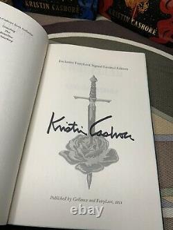 L'ensemble Graceling Realm Deluxe Signé Fairyloot Editions Par Kristin Cashore