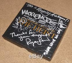 Macklemore & Ryan Lewis Signes Le Luxe Heist Coffret CD Avec Lyric Inscriptions