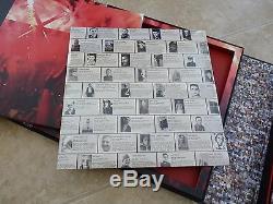 Roger Waters Signé The Wall Edition Super Deluxe # 873/1500 Avec L'art Du Pistolet De Croquis