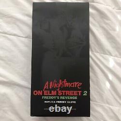Signé Robert Englund A Nightmare On Elm Street 2 Freddy Krueger Deluxe Gant