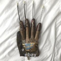 Signé Robert Englund Un Cauchemar Sur Elm Street 2 Freddy Krueger Deluxe Gant