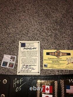 Wwf Wwe Hulk Hogan Autographié 1986 Vintage Figs Inc Deluxe 110/1000 Hogan Coa